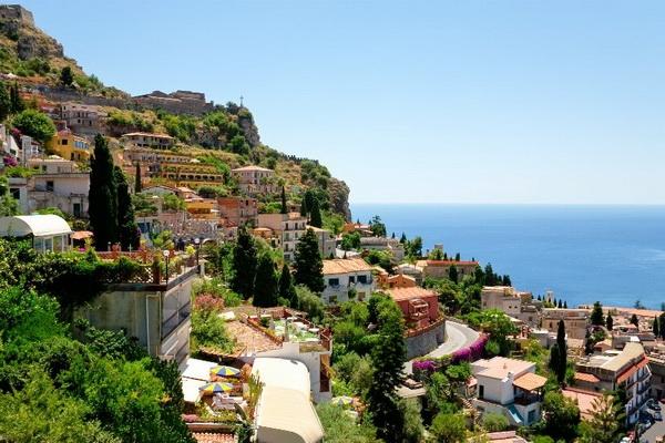 Ростуризм предостерег туристов всвязи спожарами наСицилии